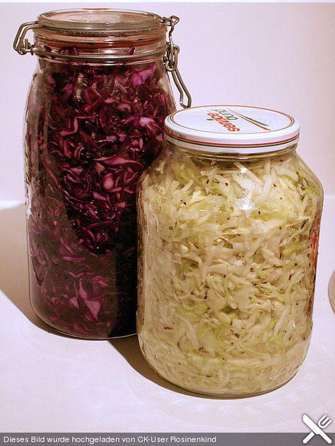 Sauerkraut in einem Glas selbst gemacht, ein tolles Rezept aus der Kategorie Herbst. Bewertungen: 177. Durchschnitt: Ø 4,6.