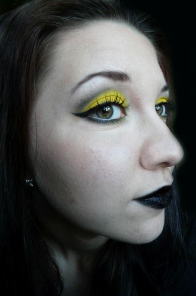 Angry Lemon http://www.makeupbee.com/look.php?look_id=66898