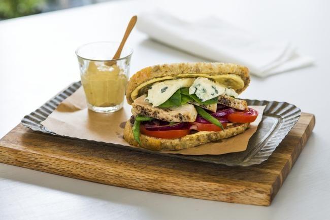 Club sandwich med blåmuggost
