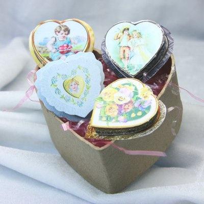 DIY ( FREE printables)   Make Printable Miniature Victorian Valentine BoxesPrintables Miniatures, Miniatures Scene, Printables Victorian, Heart Shape, Victorian Valentine, Shape Boxes, Valentine Boxes, Dolls House, Miniatures Victorian