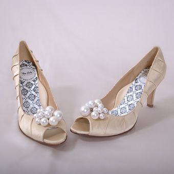find this pin and more on wedding attire
