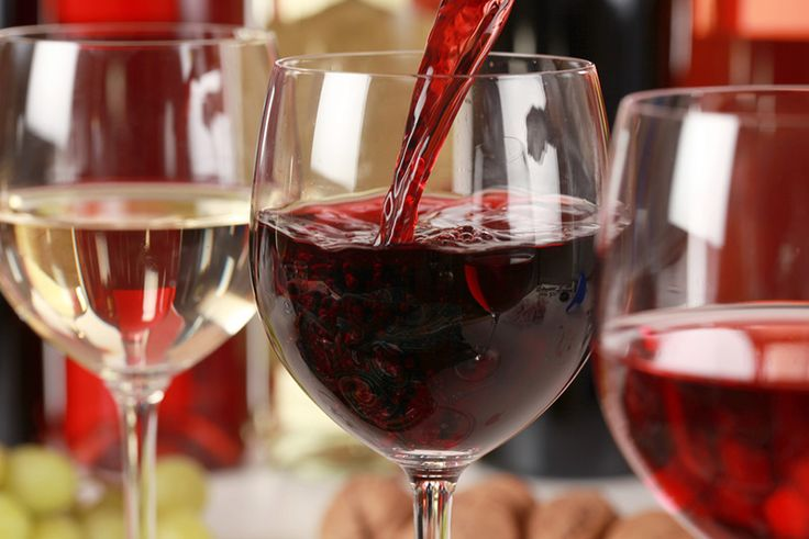 Pensa que sabe tudo sobre tudo sobre o Vinho do Porto? Descubra os diferentes tipos, suas principais características e quando beber com o Sonoma!