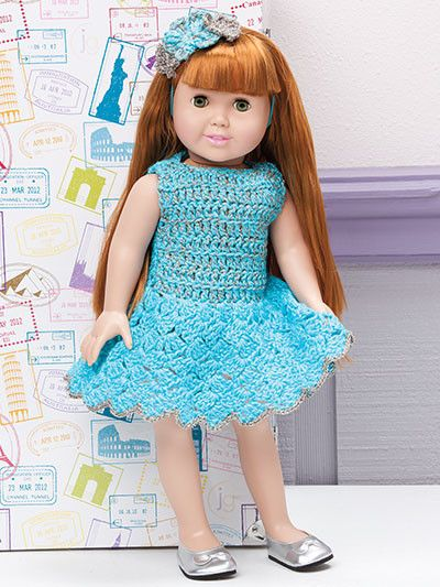 Includes 19 designs from Jenny King for 18-inch dolls. Adorable designs include sleepwear, casual, dressy and playtime fashions. Several of the projects are interchangeable, making it possible to crea