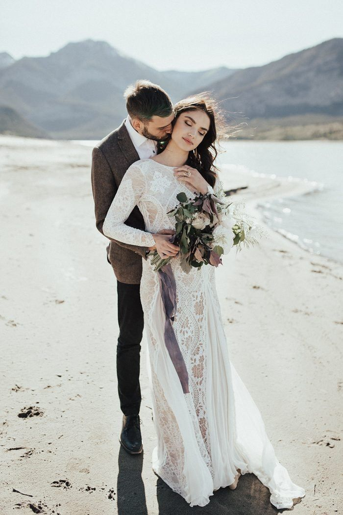 We've Got Heart Eyes for the Subtle Beauty in This Barrier Lake Elopement Inspiration