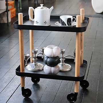 Block table med nya och gamla prylar. - Q4 Skandinavisk Design