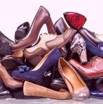 Durf de schoenen die knellen of versleten zijn uit te doen en weg te gooien. Juist door een poos zonder te doen, ga je ontdekken wat je werkelijk nodig hebt, en wat niet.