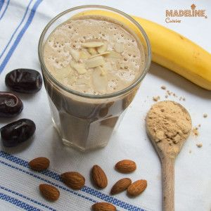 Smoothie cu banane si curmale / Banana and date smoothie - Madeline's Cuisine