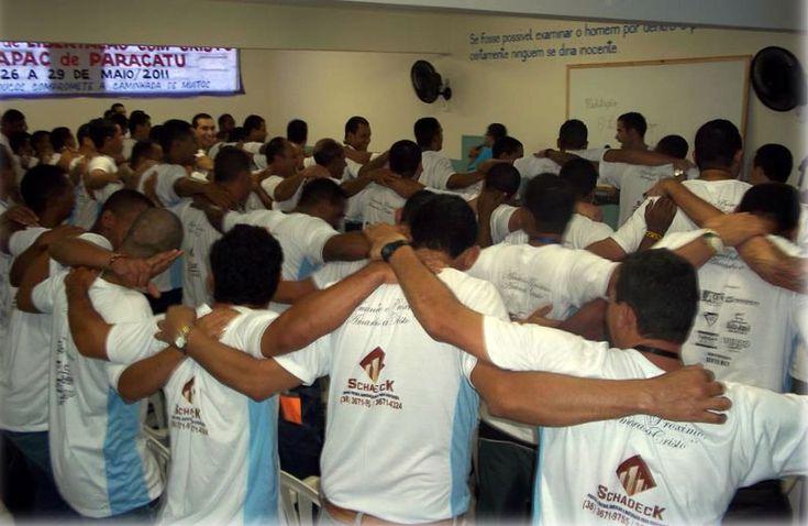 Cadeia sem rebelião há 10 anos recupera 60% dos presos: modelo