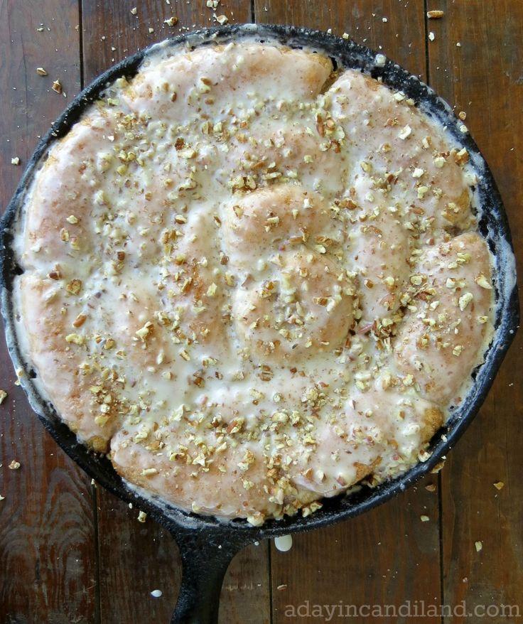 A Day In Candiland | Easy Skillet Cinnamon Rolls | http://adayincandiland.com