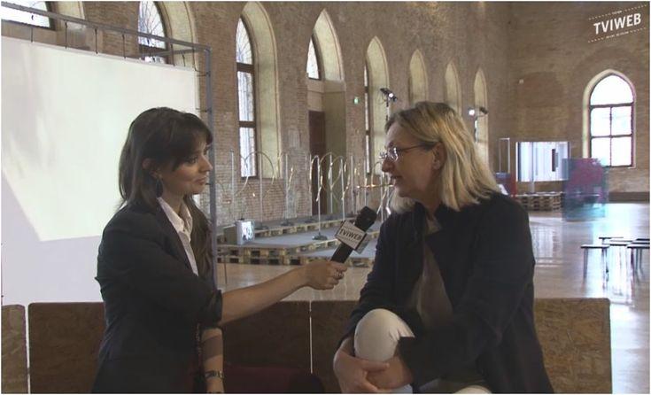 Non capita spesso l'occasione di parlare d'arte contemporanea a Vicenza. Grazie alla chiacchierata con la giornalista Ilaria Rebecchi per TviWeb abbiamo colto l'opportunità di raccontare il progetto della mostraFlow. Arte contemporanea Italiana e Cinese in dialogo,in esposizione in Basilica Palladiana fino al 7 Maggio 2017. Sedute all'interno di Ecoagorà,l'opera esposta da Piero Gilardi, abbiamo parlatoContinue Reading