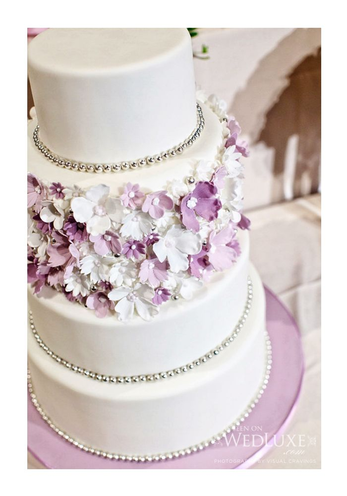 wedding cake with purple flowers 17 best images about lilac lavender wedding on 26946