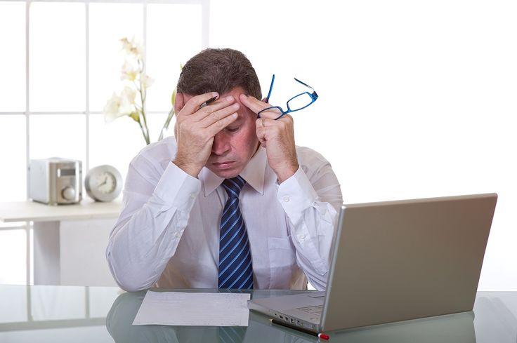 4 semne că jobul tău îți afectează sănătatea