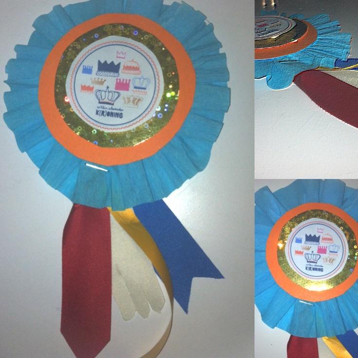 Leuk knutsel-idee!! 3D Rozet voor koningsdag, kan ook voor ieder andere feestdag ( alleen even het plaatje vervangen en de kleuren aanpassen)  #groep 4- Juf Monica