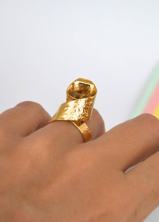 Ring calla lily #handmade #Unakita #indiedesign #hechoamano #diseñoindependiente #currucutu #accesorios #accessories
