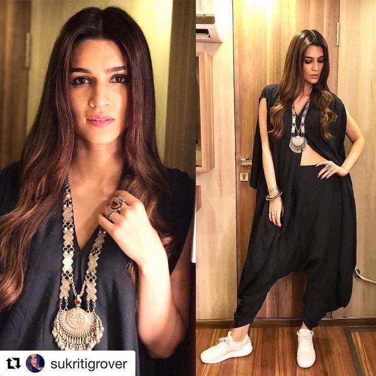 #Repost @sukritigrover with @repostapp ・・・ @KritiSanon today for promotions in @antar_agni_ujjawaldubey Jewellery @sangeetabooch