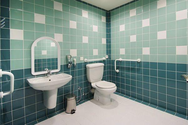 salle-de-bain-pour-handicape