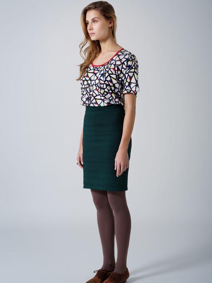 Print T top / Red neckline detail / Green spot stretch pencil skirt