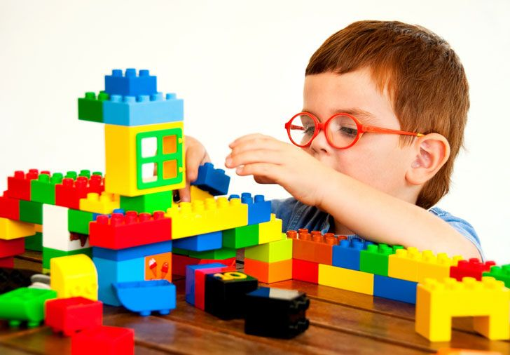 Building with Legos Object Teaching from Teach Them, -great site for children's and youth leaders.
