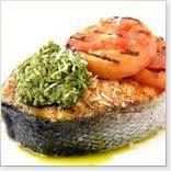 Darne de saumon, pesto basilic, parmesan et tomates grillées