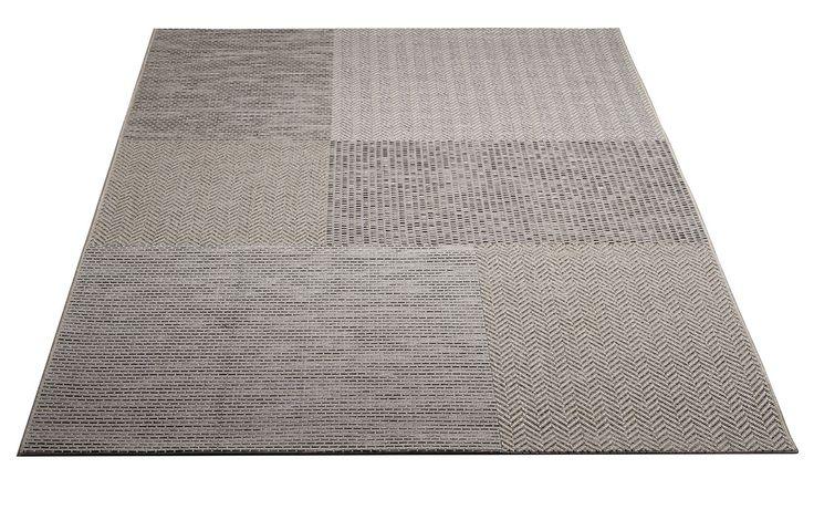 Viia-matto.  Harmaa.  Helppohoitoinen kovaa kulutusta kestävä patchwork matto. Soveltuu niin sisä- kuin ulkotiloihin. Vesipestävä, pölyämätön, kevyt matto.
