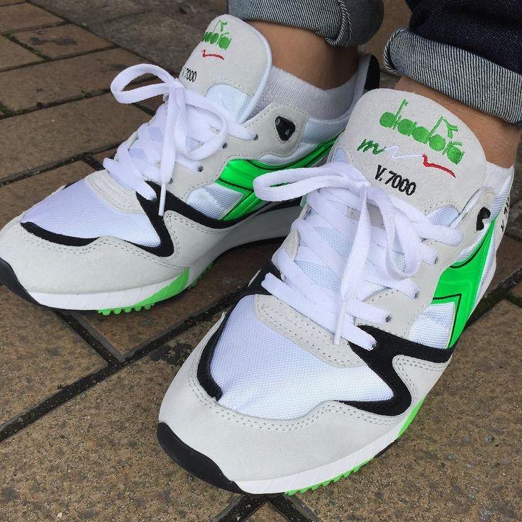 Today's kicks. 最近やってたハイエナスタイルですけど余り物には福はナシでした #diadora #diadoralife #diadoratalk #diadorav7000 #v7000 #v7000og #ディアドラ #shoe #sneaker #runners #44runners #cellphonerunners #runnergang #teamcozy #runnersonly #igsneakercommunity #conplexkicks #solecollector #mobilesneakers #kotd #todayskicks #womft #rare_footage #therealblacklist #wdywt #スニーカー #スニーカーポルノ by sh1nsuke_w