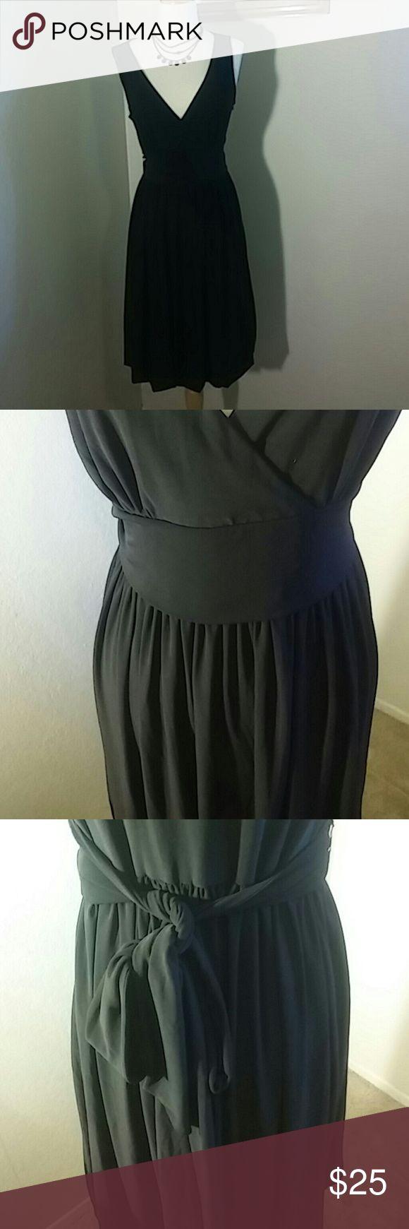 Selling this Fun and flirty Little Black Dress in my Poshmark closet! My username is: daphnesduds. #shopmycloset #poshmark #fashion #shopping #style #forsale #Ann Taylr Loft #Dresses & Skirts