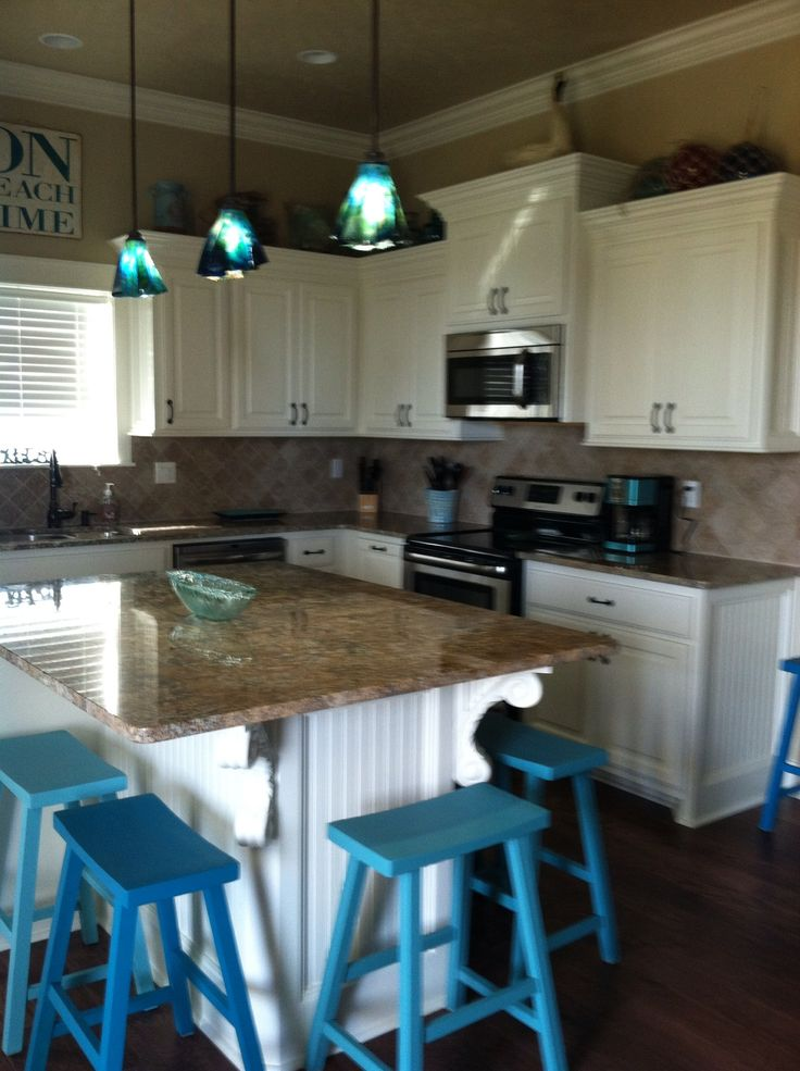 Providing Knoxville, TN with kitchen and bath design, home remodeling including kitchen and bathroom remodeling, custom kitchen cabinets, and countertops since