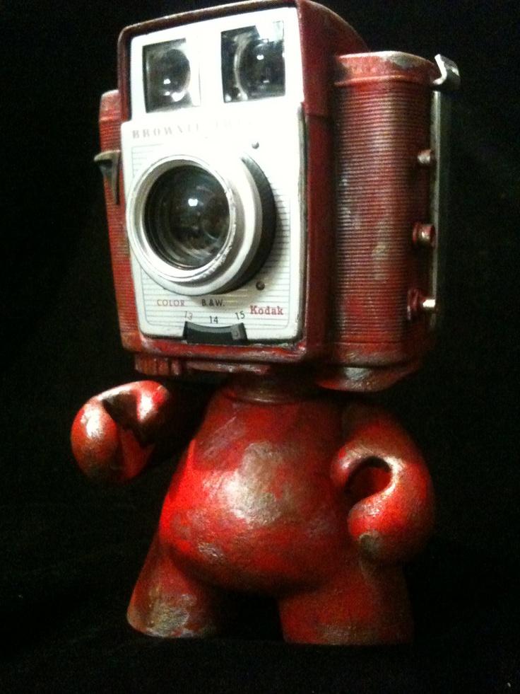 Camera Head Kodak Munny Kidrobot Urban Vinyl Art toy Brownie twin #red #robot #junkbot