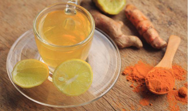 Zázvorový čaj s kurkumou: Poznáte jeho blahodárne účinky?