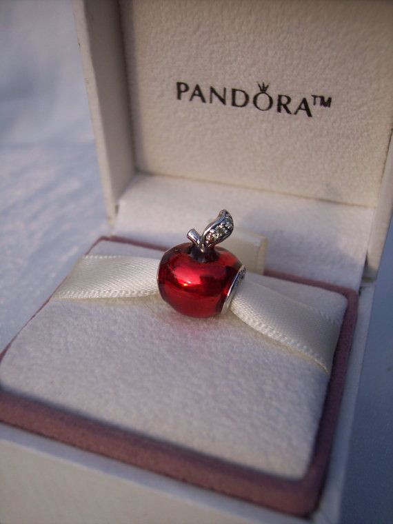 Pandora Snow Whites Apple Disney Green CZ Red Enamel Snow