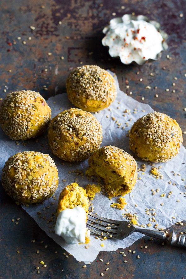 ripaus ja hyppysellinen - kasvisruokablogi : Täydellisen pyöreät falafelit uunissa