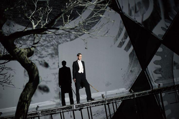 Trend FEM: The Dark Mirror: Zender's Winterreise at the Barbican ☆☆☆  http://trendfem.blogspot.co.uk/2016/05/the-dark-mirror-ian-bostridge-zender-barbican.html?m=1