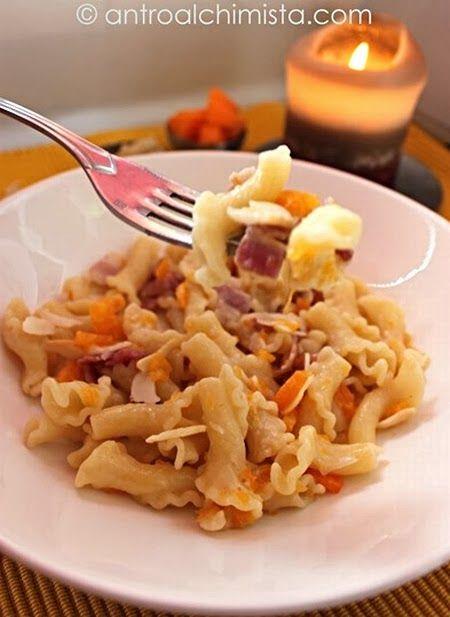 Gigli alla Zucca Lardaia con Rigatino di Cinta Senese - Pasta with Pumpkin, Bacon and Almonds