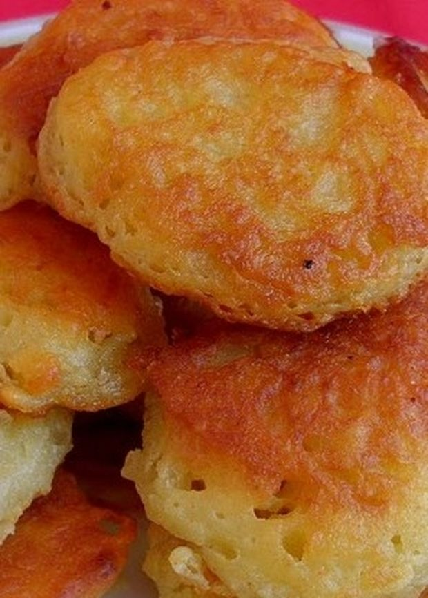 Ακαταμάχητες τηγανίτες με τυρί