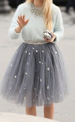 I love tulle! There's something so romantic about it! Love this outfit for a Christmas or New Year's Eve party!