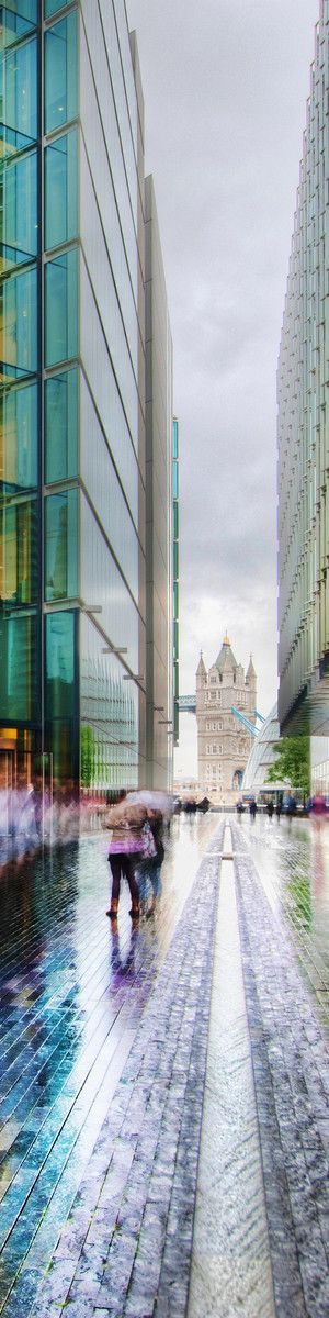☆ London ☆ I have walked this way a million times especially to the Marks and Spencers Food Express shop. LOL :-) LL