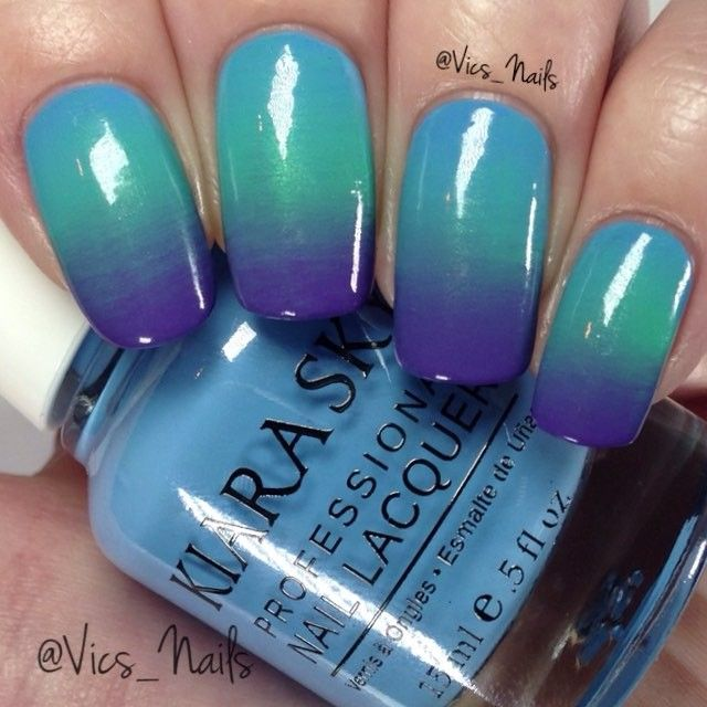 Tutorial for my previous post  brush is a fan brush (Fantastic) from @Mitty_burns. For easy clean up I used Flawless Finish from @Mitty_burns.  Polish used is Whoopsy Daisy, Chinchilla and Skies The Limit from @kiaraskynails  Song is Close by Nick Jonas