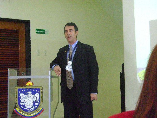 Gerente o Ingeniero. Jornadas de Pasantías UNEFA. Maracaibo, 2010.