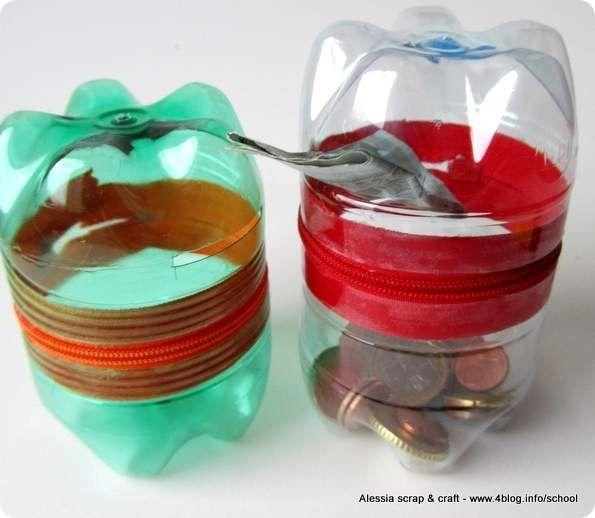 Con due fondi di bottiglia e senza cuciture ho creato due salvadanai per i bambini, per raccogliere i soldini della fata dei dentini!  Io ho usato bottiglie d