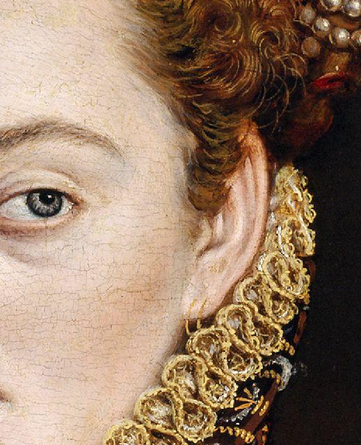 Multiple ear piercings. La dama del abanico, Alonso Sánchez Coello, hacia 1575-80, Museo del Prado, Madrid