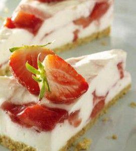 Yoghurttaartje met aardbeien | Lekker Tafelen