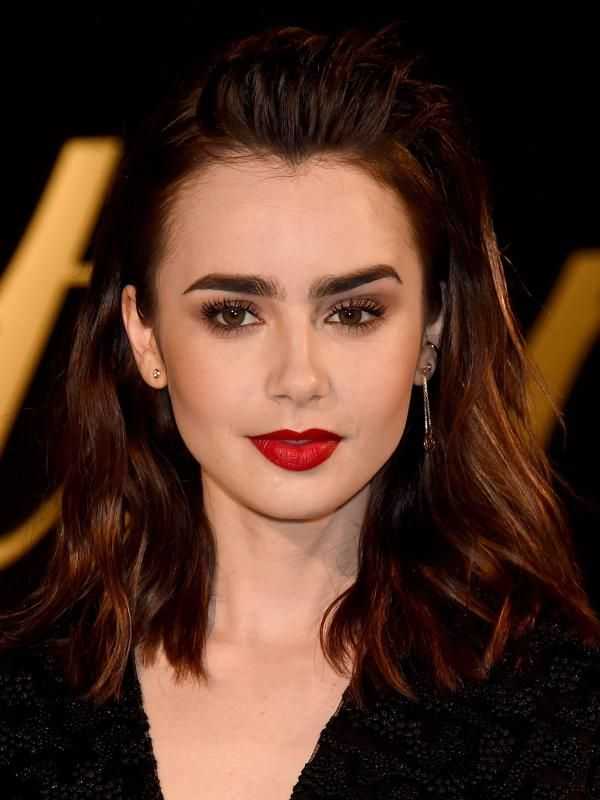Pin By Des Ray On Celebrities Pinterest Lily Collins Woman Crush And Famous Faces