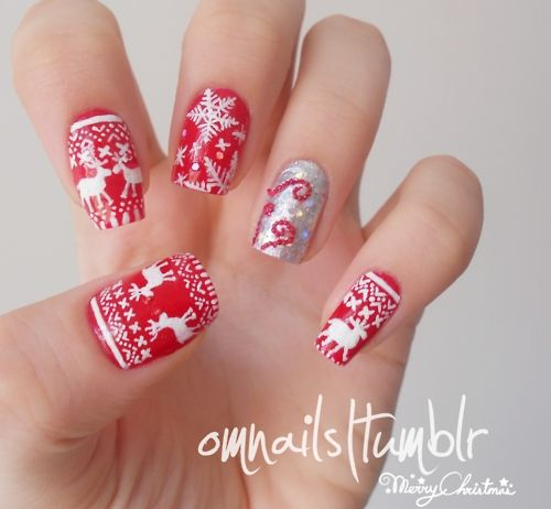 christmas nails, so detailed and perfect