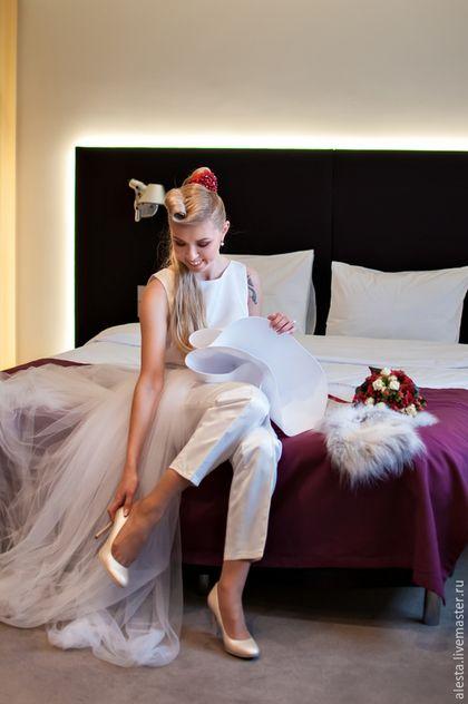 Платья ручной работы. Ярмарка Мастеров - ручная работа. Купить Платье Для Нестандартной Свадьбы. Handmade. Белый, атлас