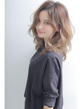 NYCアチュード☆グレージュタンバルモリ(セミウェットカール) - 24時間いつでもWEB予約OK!ヘアスタイル10万点以上掲載!お気に入りの髪型、人気のヘアスタイルを探すならKirei Style[キレイスタイル]で。