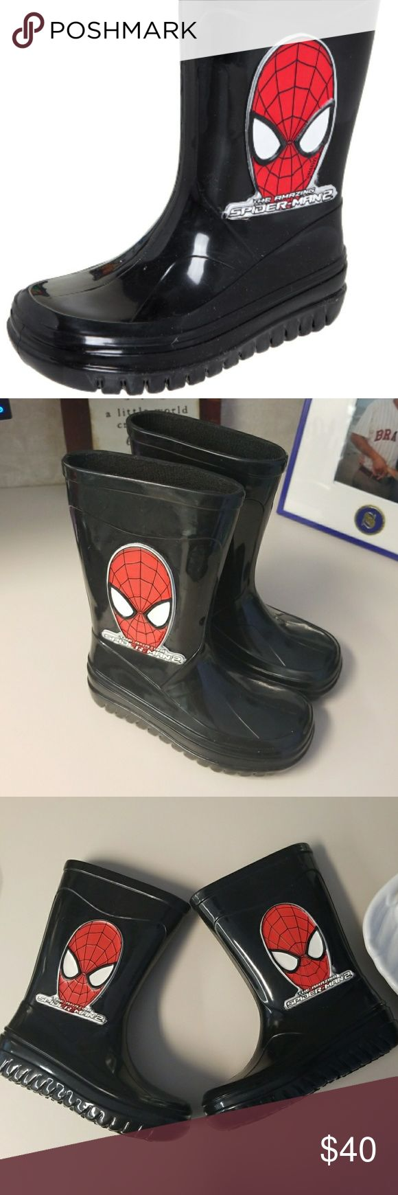 Grendene Spiderman boots Grendene USA  is the maker of Mini Melissa & these are brand new size 9 Toddler Spiderman boots..never worn...& so cute!! Sized 9 but fit more like an 8 Spiderman Shoes Rain & Snow Boots