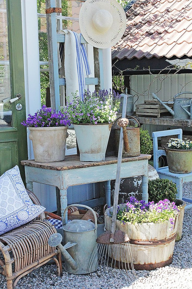 best 25 farmhouse garden ideas on pinterest flower. Black Bedroom Furniture Sets. Home Design Ideas