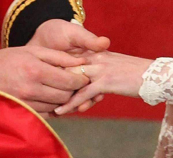Catherine Middleton Wedding Ring: 1000+ Images About Di And Kate's Jewels On Pinterest
