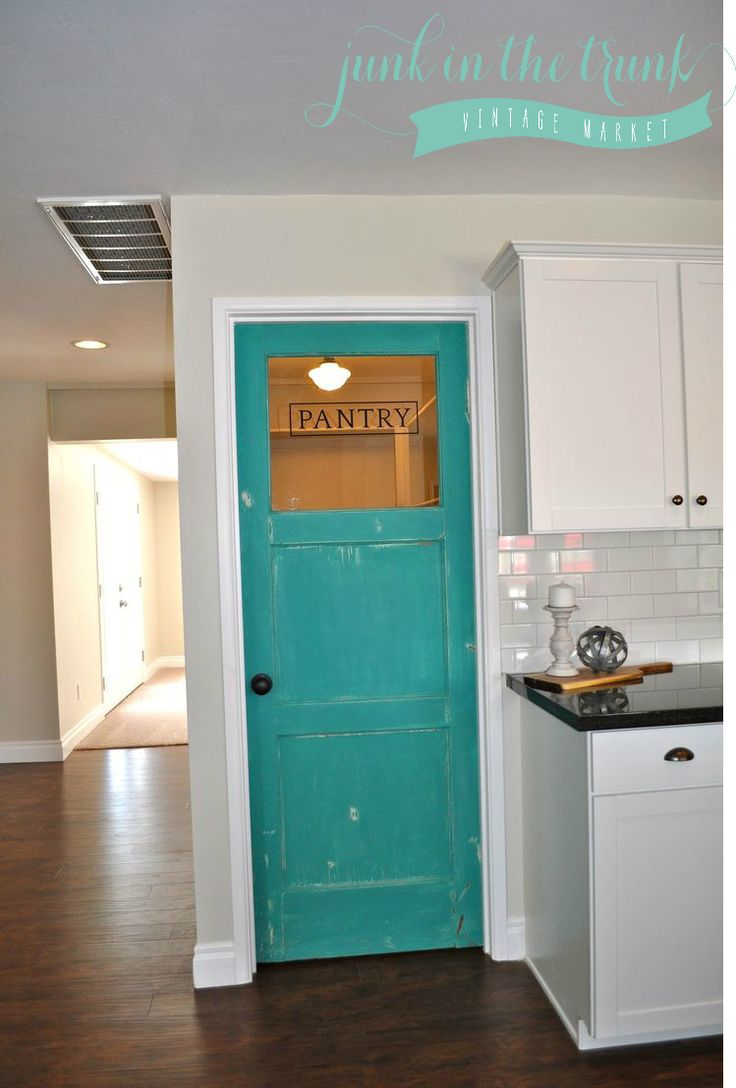 Distressed Pantry Door Annie Sloan Mix Of Florence And Provence Www Junkinthetrunkvintagemarket
