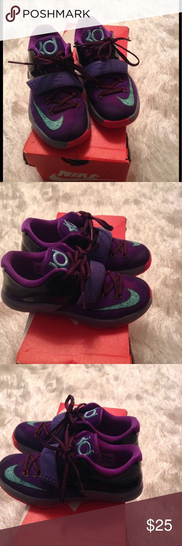 Kids Kevin Durant VII Sneakers Nike KD VII great condition.   PREOWNED. Nike Shoes Sneakers